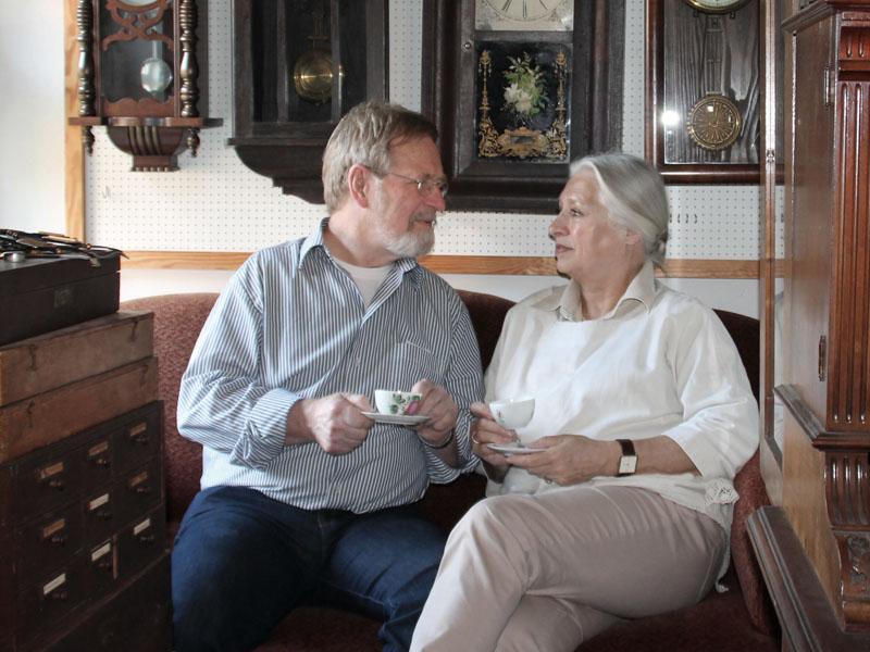 Paar bei einer Tasse Tee